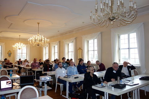 "Audience at the workshop in the ""Barocksaal"" of Schloss Atzelsberg (Image: E. Birang)"